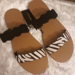 New!!!! NWT!!! Ladies Sandal by Forever 21